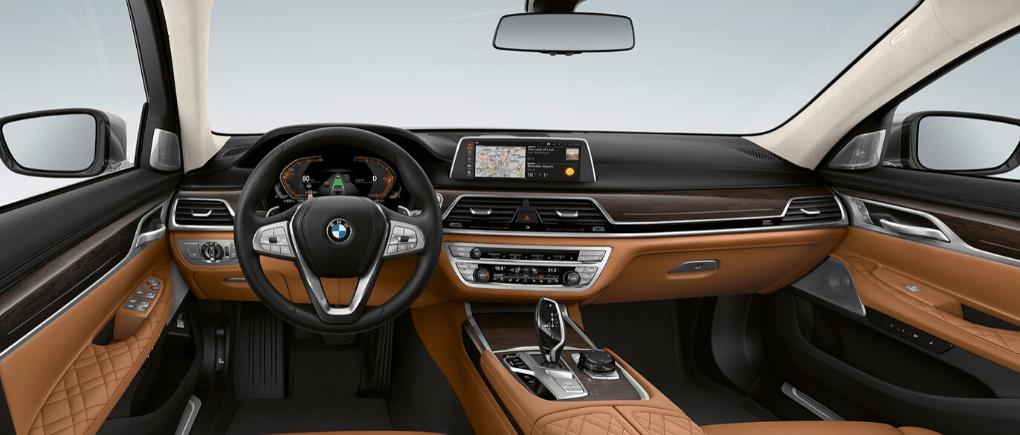 Interiores de automóviles personalizados alucinantes.
